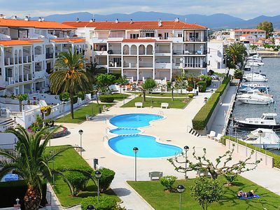 Photo for Modern Apartment in Empuriabrava with Swimming Pool
