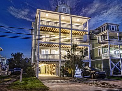 Photo for New listing! 3600sqft, 5ba/5br, 11 bed, elevator, <600ft to beach, overlooks bay