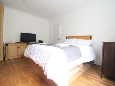 Photo for Stylish, modern apartment overlooking Finsbury Park