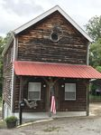 A beautiful cabin with close access to restaurants and other places in town