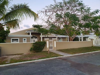Photo for Yorkshire Place. Prefect location in Cable Beach