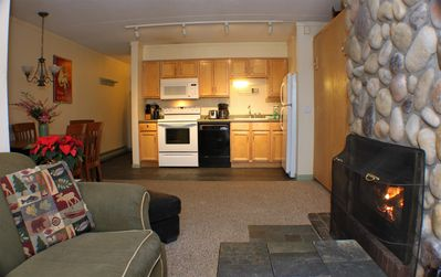 <center>Cute cozy condo unit is the getaway you have been searching for<center>
