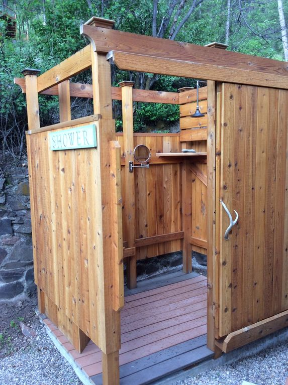 Fully Enclosed Shower idaho lakefront rocky mtn cabin,fly - homeaway salmon
