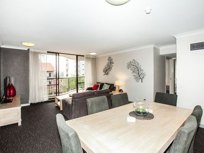 Photo for Two Bedroom Unit in Hillcrest Apartments*Wifi*Paking*Walk to Southbank, Qpac