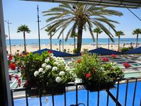 Lovely apartment in excellent location, next to beach and bars and restaurants