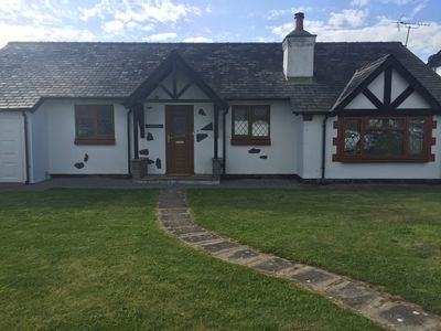 Photo for 3 Bedroom Beautiful & Cozy Cottage with Log Burner