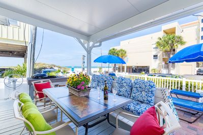 Imagine enjoying your morning coffee.. Front Porch/Grill area with  Gulf Views