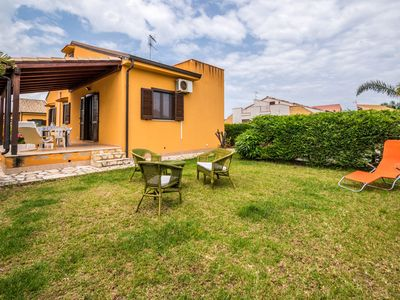 Photo for Chalet 6 beds with garden and near the sea