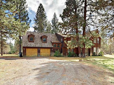 Photo for 5BR/3.5BA w/ Hot Tub, Fireplaces on 5-Acre Lot ? Mins to Town, Ski Slopes