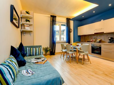 Photo for Cosy apartment for 4 guests with A/C, WIFI, TV, balcony and parking