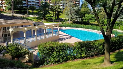 Photo for 3 rooms of 80m ², with a splendid garden, swimming pool, terraces, golf