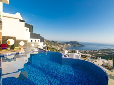 Photo for Stunning Villa for 10, Two Pools and Amazing Views