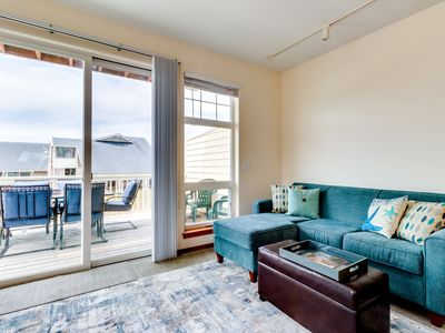 Photo for Dog-friendly townhouse across street from beach w/ocean views