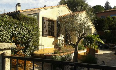 Photo for Charming detached bungalow with beautiful garden 10 mins walk to centre of Ceret