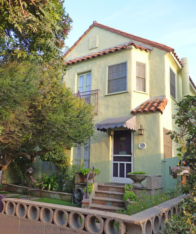 Old Greenwich Beach Cottage: 100-Year-Old Venice Beach Home