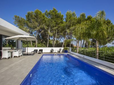 Photo for SUPERB MODERN Villa with SEA VIEW