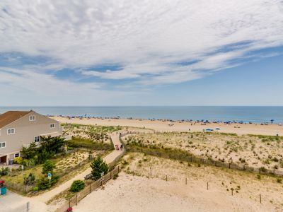 Photo for Newly remodeled oceanfront condo w/ well-appointed balcony, beach access