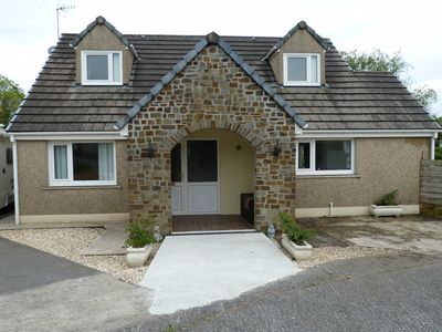 Photo for Amazing, ground floor bungalow, in walking distance of Medievel Pembroke Town.