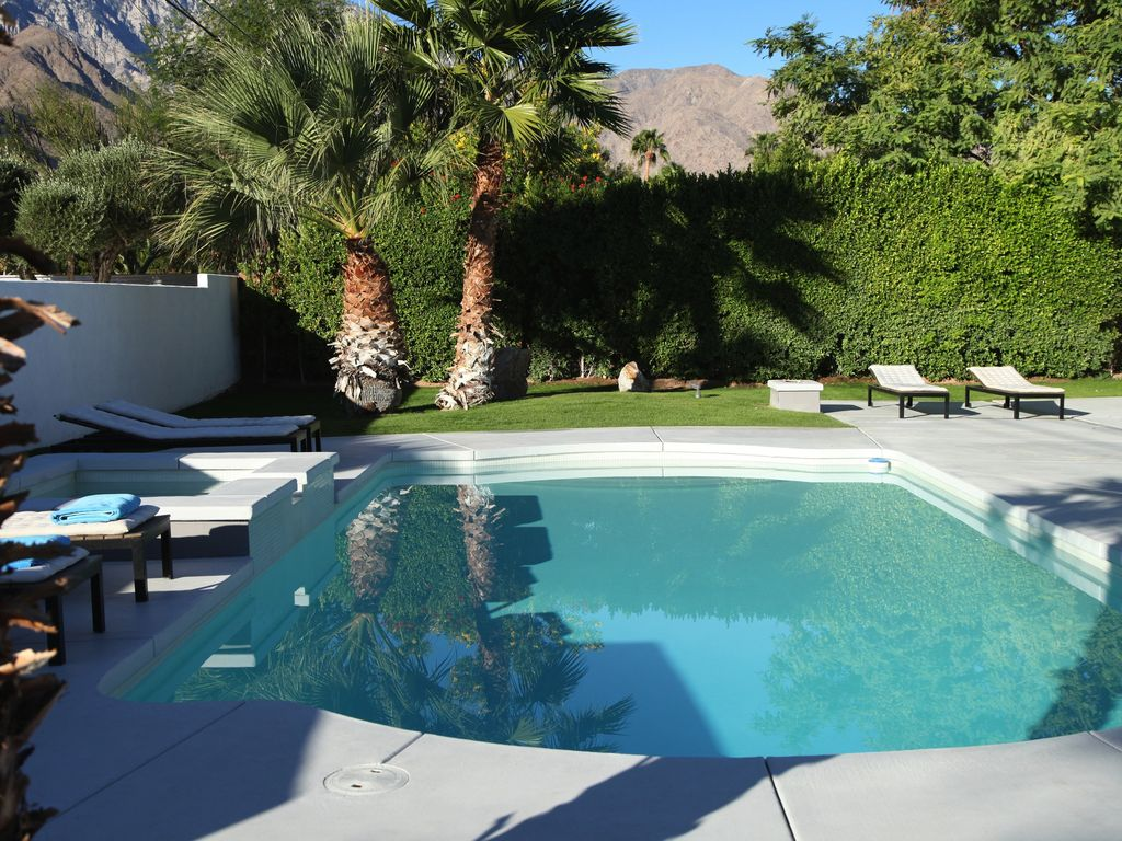 Stunning Modern Mid Century Alexander Home With Pool And Mountain ...