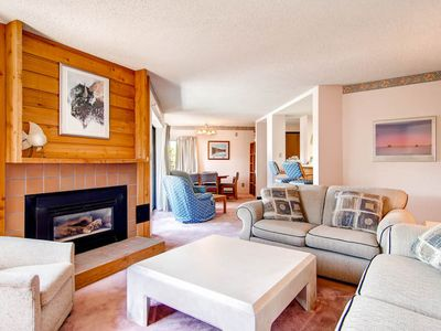 Photo for 2 blocks to beautiful, historic downtown, Hot Tub & Pool access, Near ski slopes