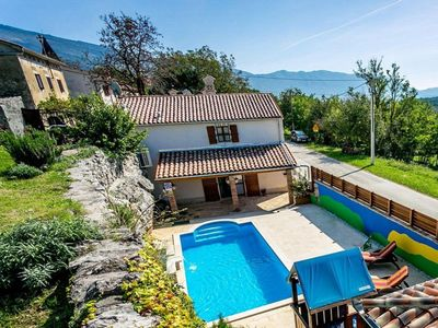 Photo for Rustic villa with pool, terrace and stunning views