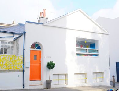 Photo for Historic & Unique, centrally located cottage just off the seafront & Hove lawns