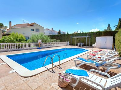 Photo for Beautiful private villa for 10 people with WIFI, private pool, A/C, TV and parking