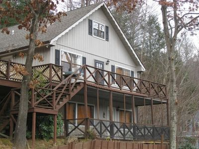 4BR/3BA Chalet Features 2 Large Decks, Screen Porch & Carport