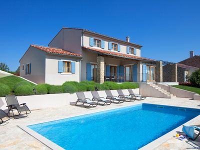 Photo for Traditional Istrian Villa, Modern Interior, Private Pool, Beautiful View to Vineyards/Olive Groves!