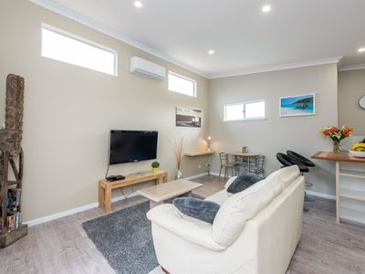 Photo for Prestigious Northshore Guest House - Comfortable Living Close To Mullaloo Beach