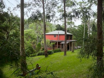 Gully Falls House - Barrington Tops Accomodation