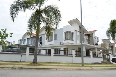 Semi detached house at Puchong