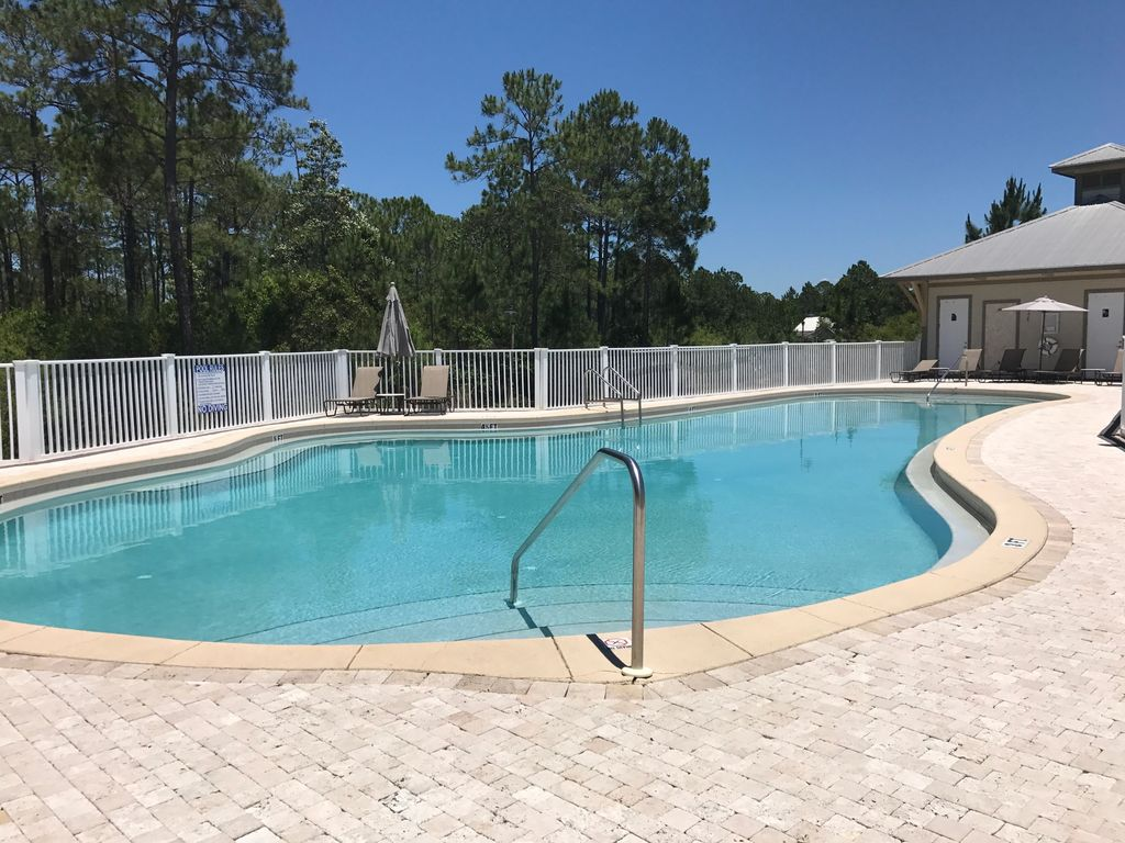 Beach Pool Construction : Seagrove haven clean updated condo near building pool