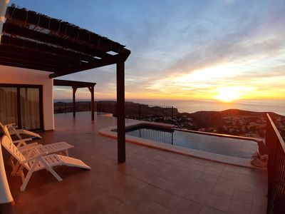 Photo for Luxury villa with pool and beautiful sea views