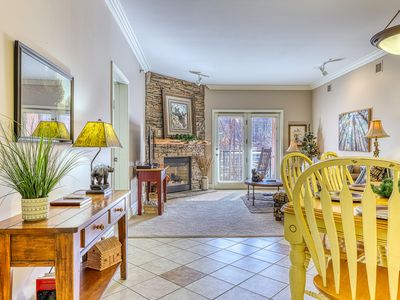 Photo for Inviting condo w/ jetted tub, fireplace & shared pool/hot tub - walk downtown!