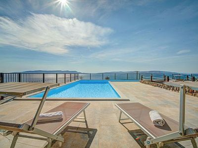 Photo for Apartment with SWIMMING POOL and sea view