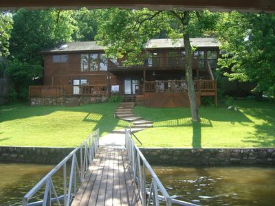 Harmony ~upper and lower decks, hot tub, fire pit, boat dock