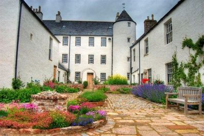 Logie Country House enclosed courtyard