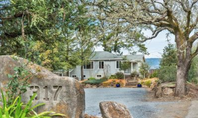 Photo for 4 bedroom home at the gateway to Alexander Valley.