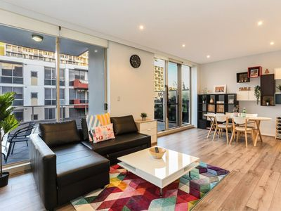 Photo for Beautiful home 2beds Apt @Waterloo-Close to CBD