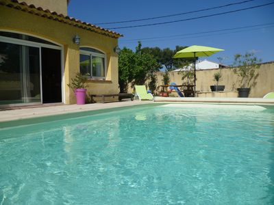 Photo for Villa in Provence (8 persons) with pool and dining area on shaded terrace