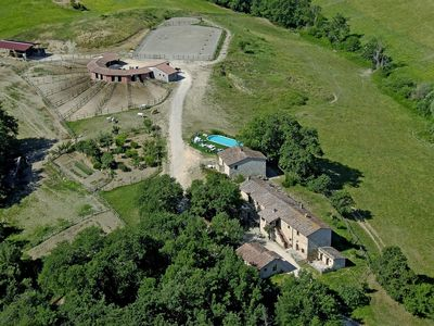 Photo for Apartment for 3 persons on a horse farm close to Casole d'Elsa in Tuscany.