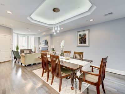 Capitol Hill/ US Senate/US Capitol/Monuments. Three Bedroom/2.5Baths. Gorgeous!