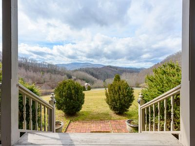 Photo for 4BR/4.5BA Gorgeous Mountain Home with Hot Tub, Long Range Views, Pool Table, Beautiful Kitchen, Gas and Wood Fireplaces