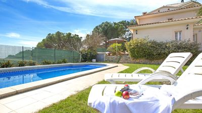 Photo for Villa with private pool located only 2. 5Km from the beach.