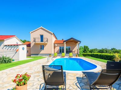 Photo for Luxurious Holiday Home in Policnik with Swimming Pool