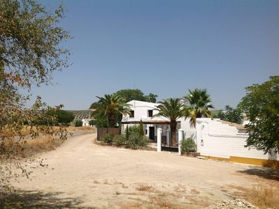 Photo for Country House (surrounded by farms and farmland) with private pool and garden.