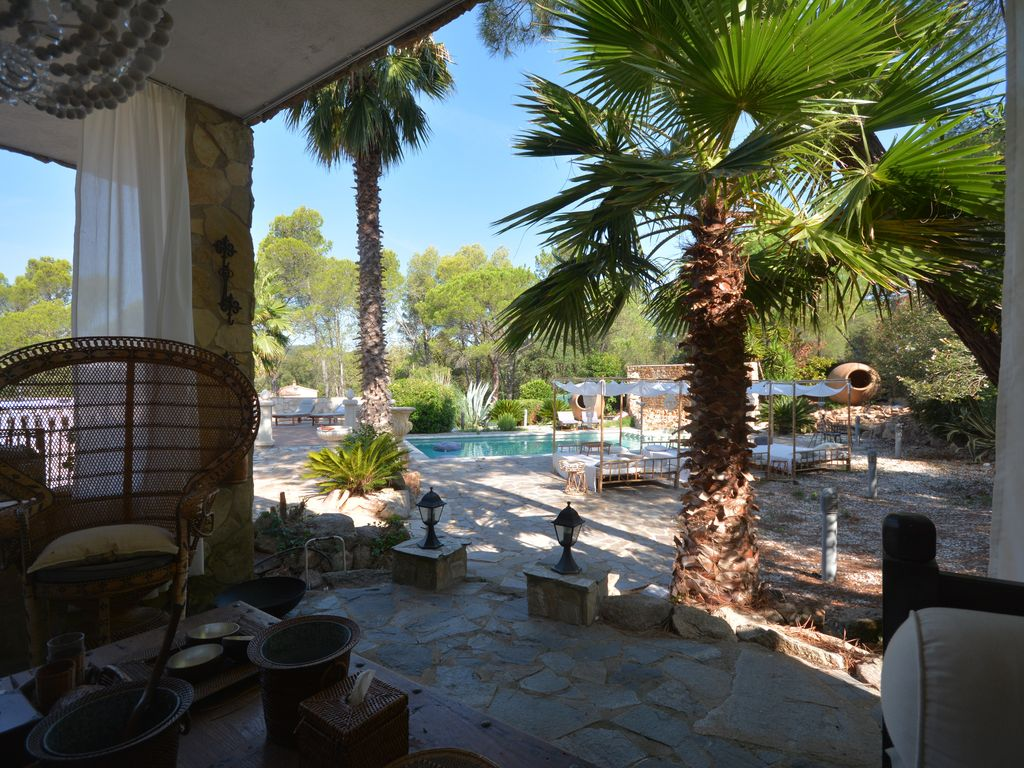 Santa Cristina Du0027Aro Villa Rental   Outdoor Living Room Looking Towards The  Pool