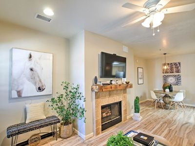 Photo for Refurbished Scottsdale Condo w/ Access to 3 Pools!