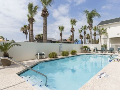 Photo for Affordable 1 bed/1bath condo less than 5 minute walk to the beach. Sparkling Pool at Sea Dancer #1!